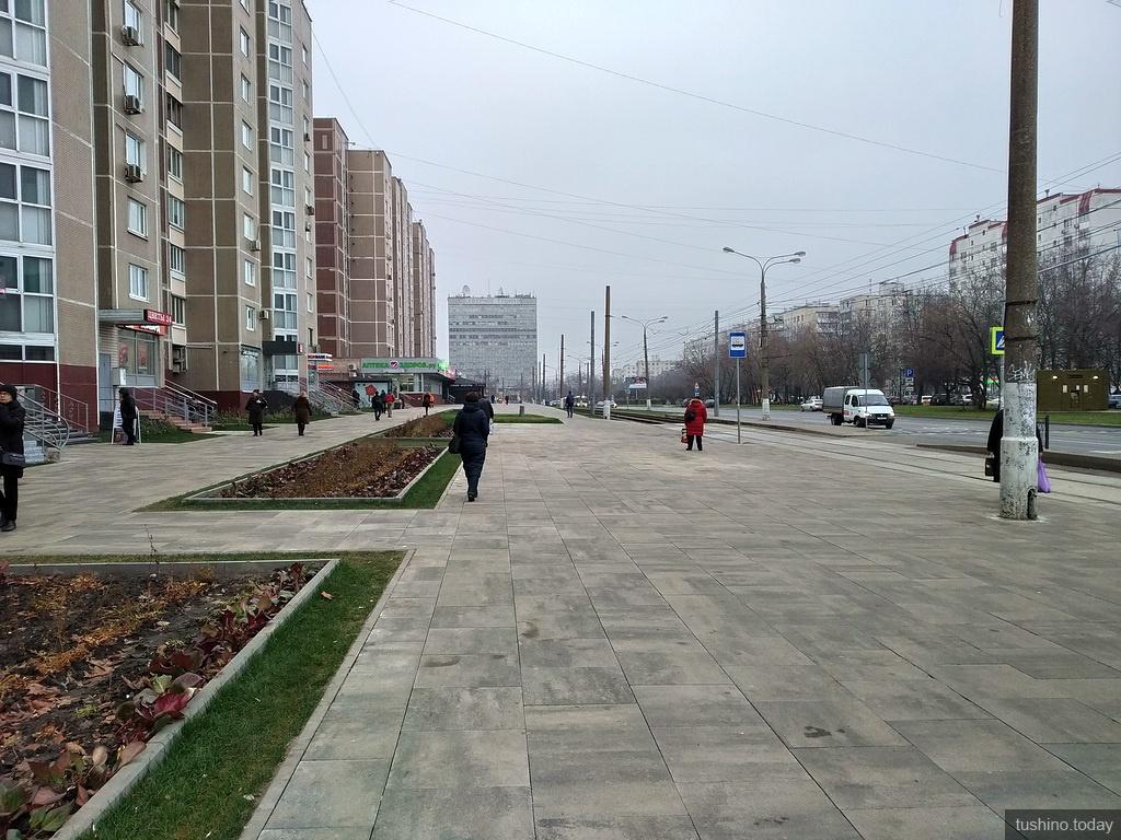 Тротуар в начале улицы Героев Панфиловцев